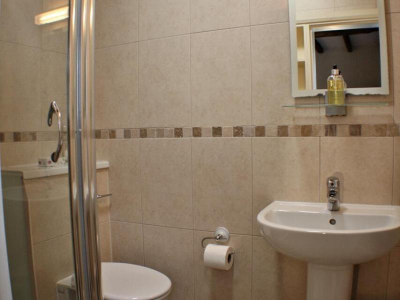 Room 1 - Double with en-suite - Accommodation Photo